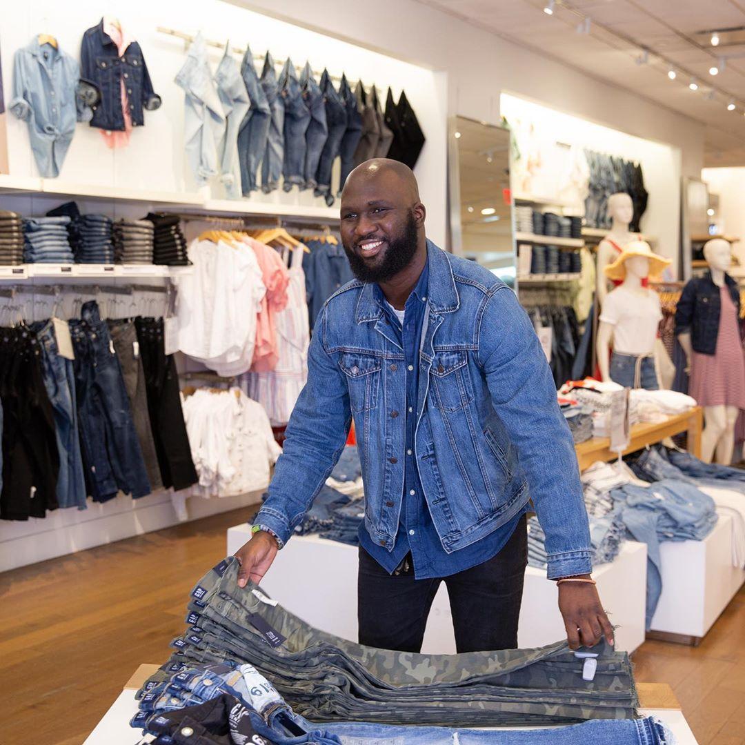 Gap закроет еще около 350 магазинов до середины 2021 года