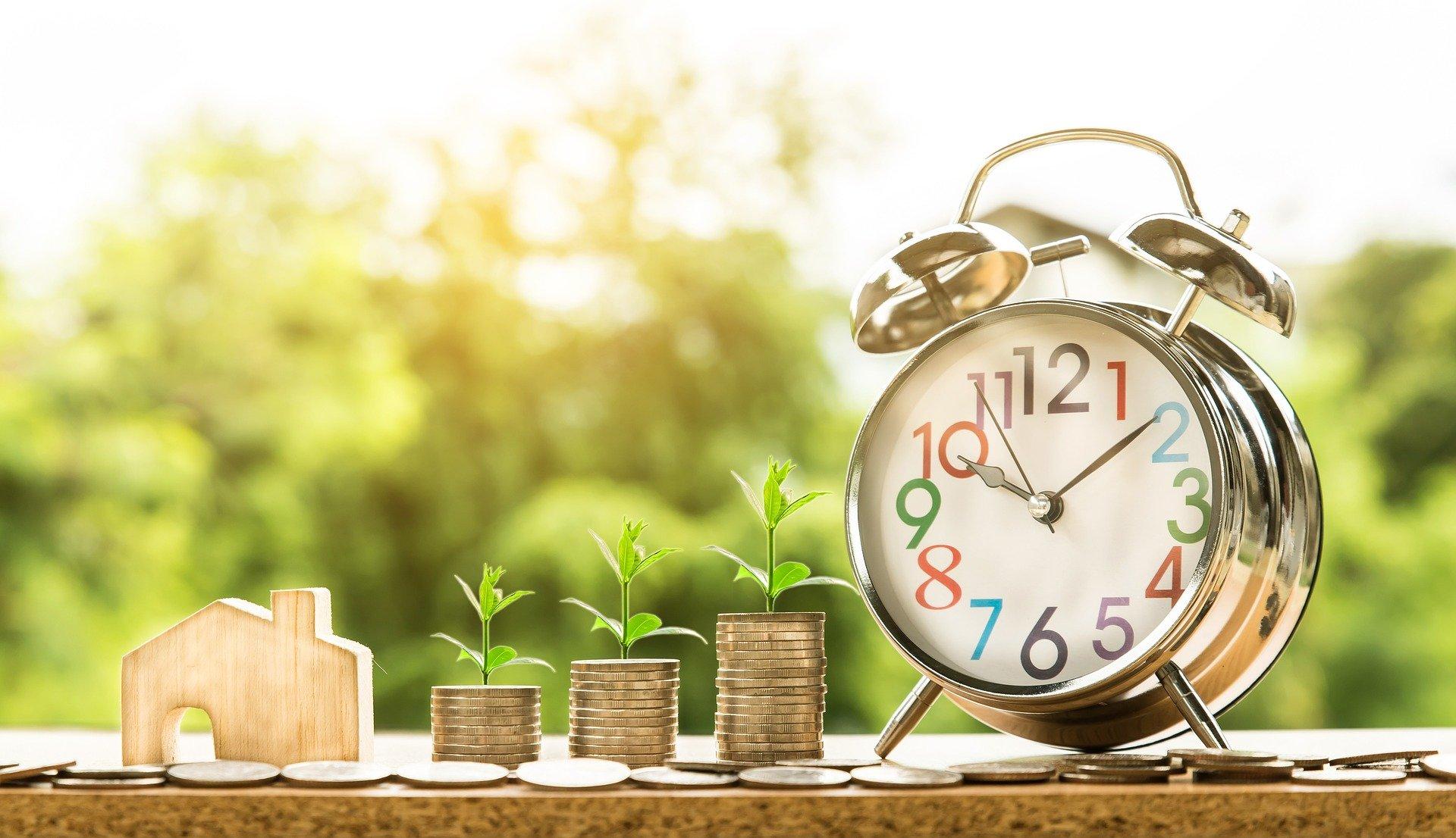 Как оптимизировать контекстную рекламу недвижимости с учетом сезонности